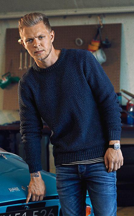 Kevin Magnussen – #GoForGreat JACK & JONES VINTAGE CLOTHING blue raglan pullover, t-shirt, slim fit jeans