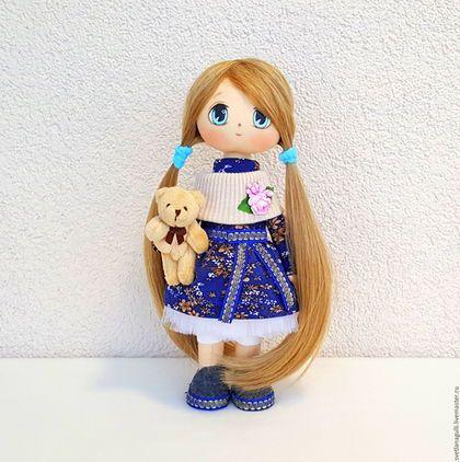 Купить или заказать Кукла интерьерная Интерьерная кукла Девочка с плюшевым мишкой в интернет-магазине на Ярмарке Мастеров. Кукла интерьерная, интерьерная кукла, кукла для интерьера, кукла ручной работы, авторская кукла, текстильная кукла. ----------------------------------------------------------------------------- Прелестная куколка - девочка с мягкой игрушкой - медвежонком. Удивительно нежная и милая красавица не оставит равнодушным никого. У куклы длинные светлые волосы, которые Вы по…