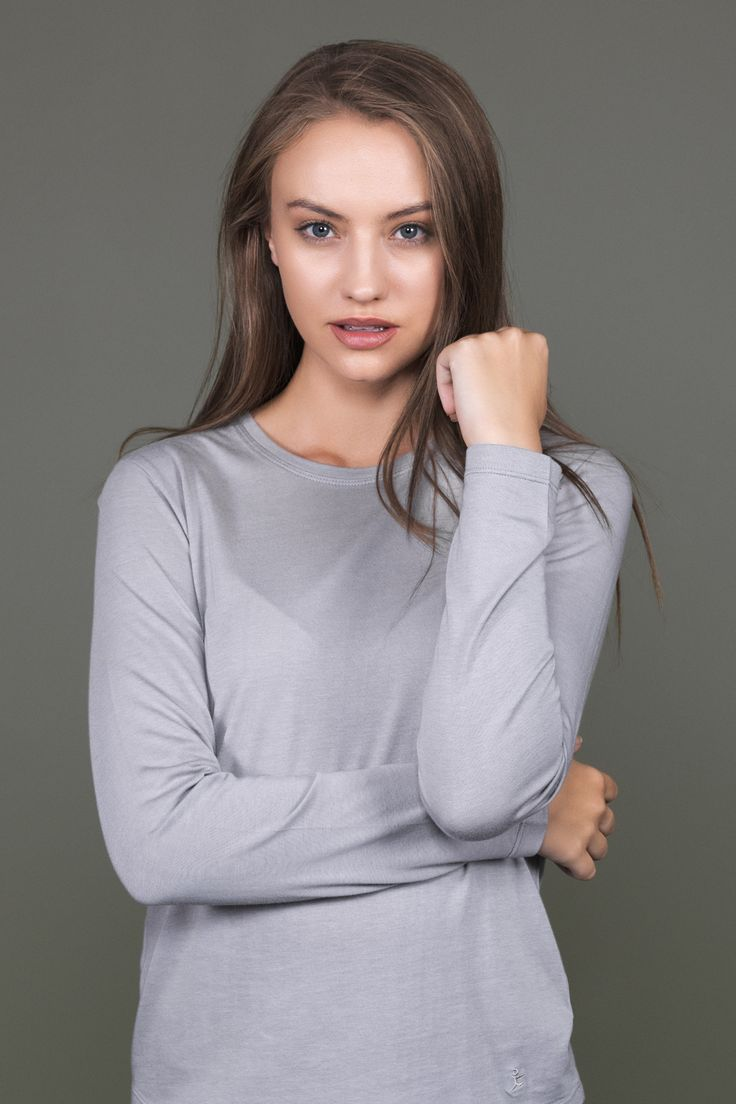 Long Sleeve Bamboo Cotton Tee / Not just your average long sleeve top; this crew neck design has a flattering curved hem and a spliced centre back seam for interest.