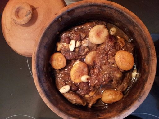 Tajine agneau abricots et raisins secs : Recette de Tajine agneau abricots et raisins secs - Marmiton
