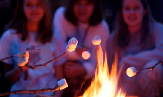 #Campfire!  Kampvuur op de #FarmCamps #Boerderijen deze #herfstvakantie tijdens het #halloween fesst, #Hooi Hooi