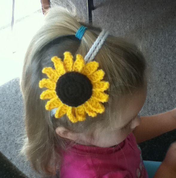 Sunflower Crochet Baby Hat Pattern : The 353 best images about Free Crochet Baby Hat Patterns ...