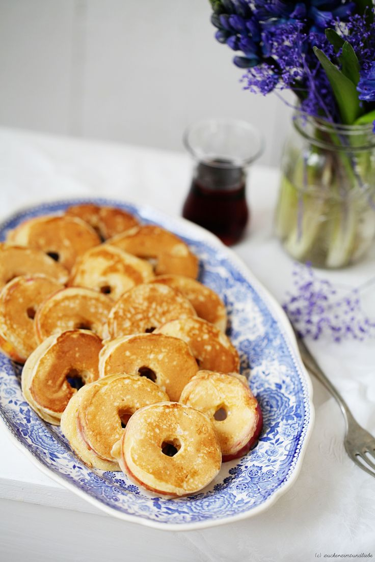 Apfelringe im Zimt Buttermilch Pfannkuchen | #food #apples #cinnamon #pancakes #buttermilk