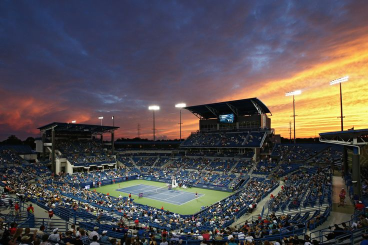 MASON, OH - AUGUST 17: General view as the sun sets on the match between…