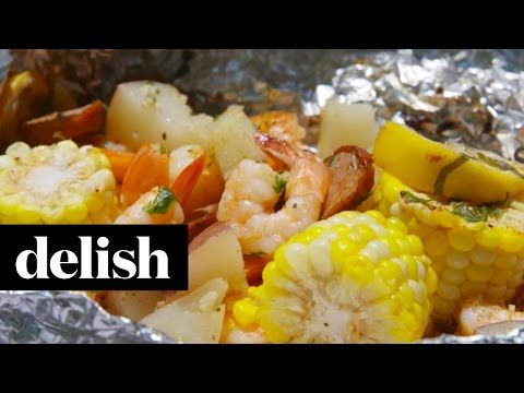 Best Grilled Shrimp Foil Packets Recipe - How To Make Grilled Shrimp Foil Packets http://www.delish.com/cooking/recipe-ideas/recipes/a47430/grilled-shrimp-foil-packets-recipe/
