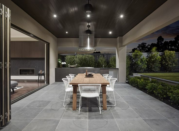 Stone patio color. Outdoor - High Street - Somerset