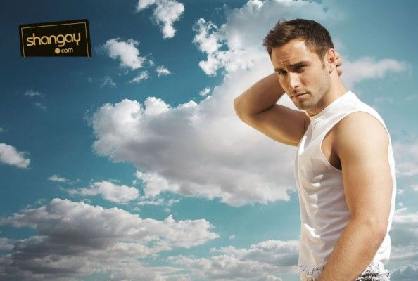Important: Måns Zelmerlöw poses for fashion spread and you have to see it