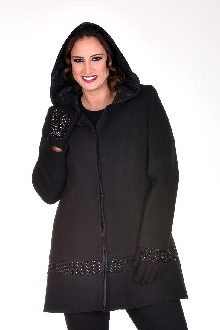 Siyah kaşe kumaş, gümüş taş baskılı, kapşon içi dantel detaylı 90 cm kaban