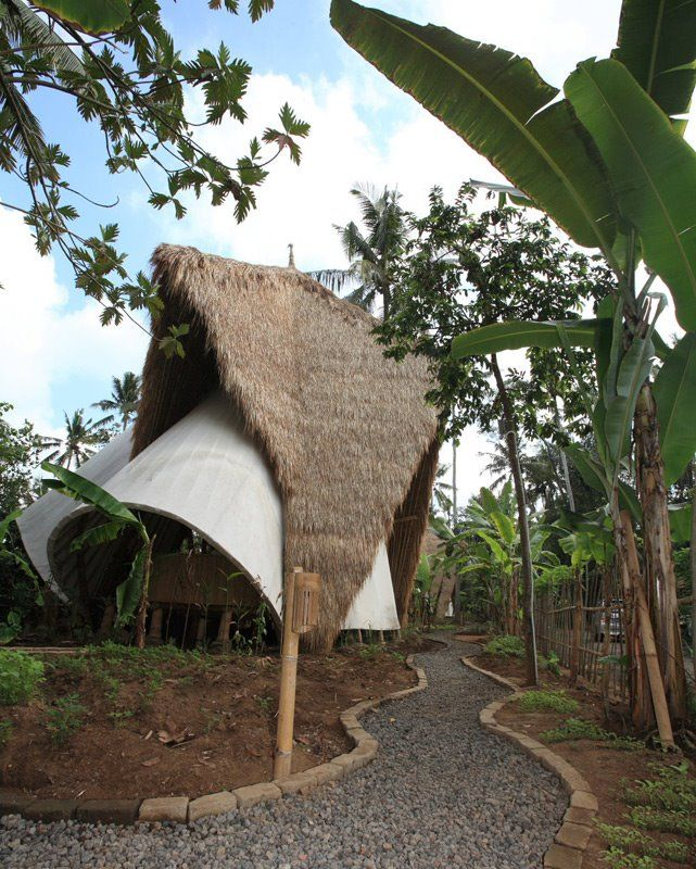 John Hardy's Green School in Bali, Indonesia. - the best honeymoon in Bali http://holipal.com/the-best-honeymoon-in-bali/