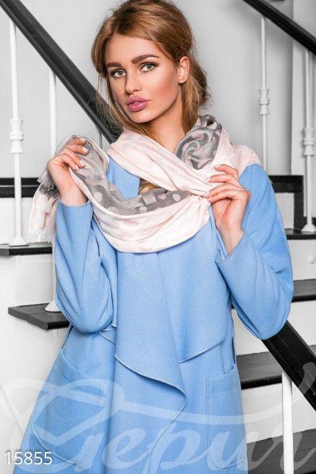 Безумно лёгкий и воздушный шарф шикарно драпирующий любой костюм. Такой шарф можно надевать фактически с любым нарядом начиная от вечернего платья и заканчивая повседневной одеждой. #шарф #легкий #персиковый #серый #повседневный #шелковый http://gepur.com/