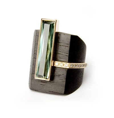 German Kabirski / Ring - Wood, gold, tourmaline (?) diamonds. Bague en bois avec pierres