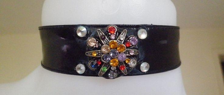 collier créateur ras-du cou vernis noir fleur étoile strass cristal diamant mode