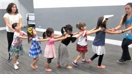 こんばんは。3~6歳のキッズ用ダンスレッスンをロビーナコミュニティセンターで始め、4回めのレッスンを無事に終了…