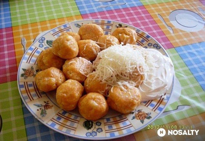 Krumplis tészta gombóc