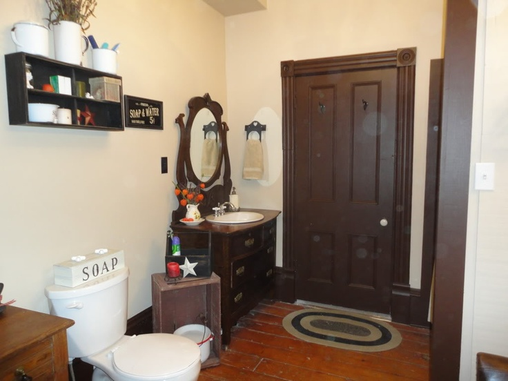 1000 images about colonial and primitive bathrooms for Colonial bathroom ideas