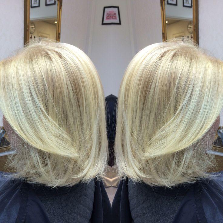 Bright blonde! Hair: Samu Puhakka/VELVET #velvetkampaamot #velvettöölö #olaplexfinland #olaplex #schwarzkopfpro #apassionforhair #balayage #babylights #beachhair #bonacure #schwarzkopfessensity #essensity #nofilter #sunkissedhair #colorcorrection