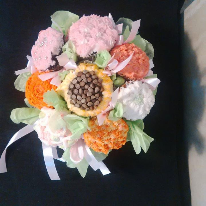 Cupcake bouquets.