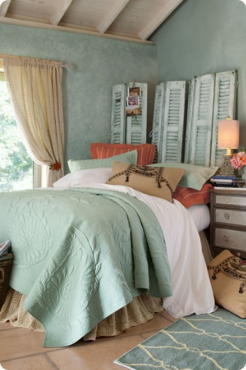 @Sydney Brooke thought of you when I saw this...maybe we need to ask Linda if she has any shutters in her shed!!Orange and teal...and headboard