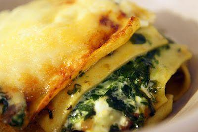 Gewoon wat een studentje 's avonds eet: Italiaans: Romige lasagne met spinazie, gehakt, mozzarella, tomaat, oregano, kookroom en Grana Padano