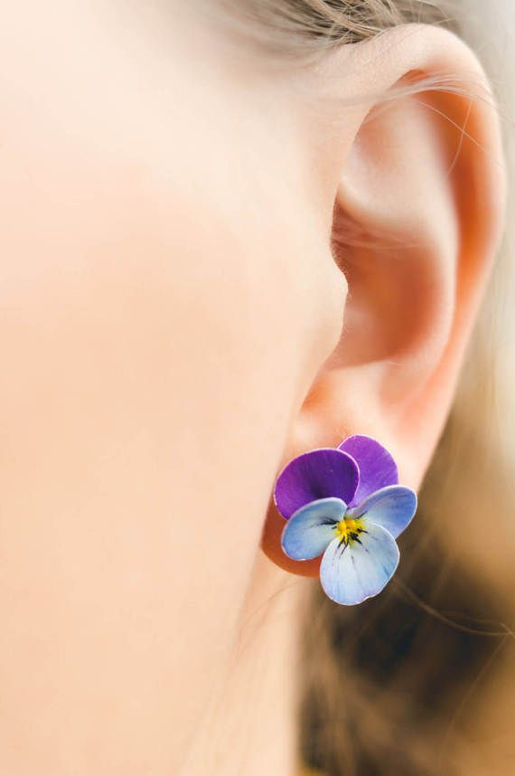 Pansy Stud Statement Earrings Violet Blue Purple Flower Etsy Polymer Clay Flower Jewelry Polymer Clay Flowers Clay Jewelry Diy