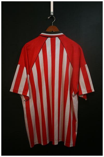 1994 to 1995 SHEFFIELD UNITED HOME SHIRT, SIZE EXTRA EXTRA LARGE [SHFU9495HXXL1002] - £39.99 : • Classic Football Shirts • Vintage Football Shirts • Retro Football Shirts • Old Football Shirts, | www.footballshirtboutique.com |