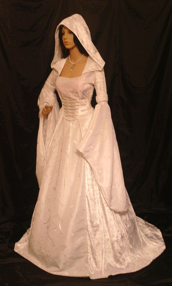 Reminds me of the White lady from Drizzt.: Halloween Costume, Wedding Dressses, Wedding Ideas, Wedding Gown, Handfasting Dress, Weddings, Medieval Renaissance, Renaissance Wedding Dresses