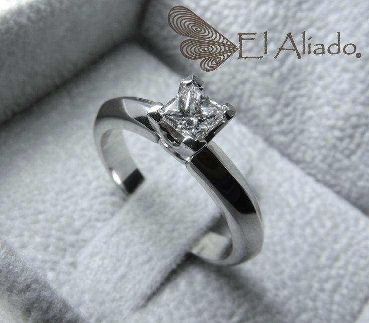 772.+Anillo+compromiso+oro+blanco+y+diamante+princess+de+0.34+ct