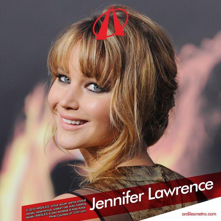"""Ardiles Sneakers Lovers, apa sih yang membuatmu nge-fans banget sama Jennifer Lawrence atau J-Law? Film apa yang paling kamu sukai? Cewek satu ini memang punya seabrek prestasi luar biasa. Dalam usianya yang masih muda (25 tahun), dia sudah membintangi film pertamanya The Burning Plain, lalu box office """"X-Men First Class"""" dan """"X-Men Day of Future Past""""."""