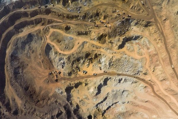 Soil Contamination Found Near Huge Mine in Western China - NYTimes.com