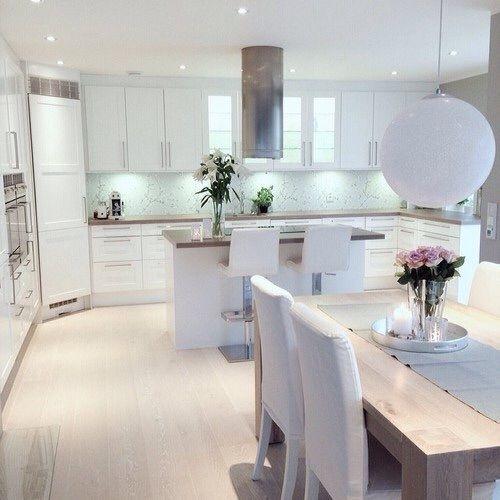 White kitchen / dining