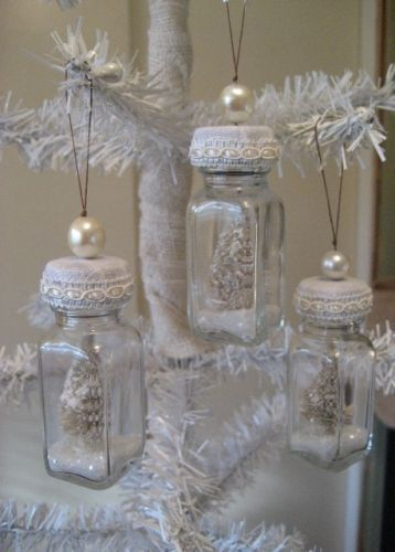 So inventive! Shabby Chic Bottle Ornaments~can use empty spice jars or cheap salt and pepper shakers--2/$1.00 at Dollar Tree if you have them in your area