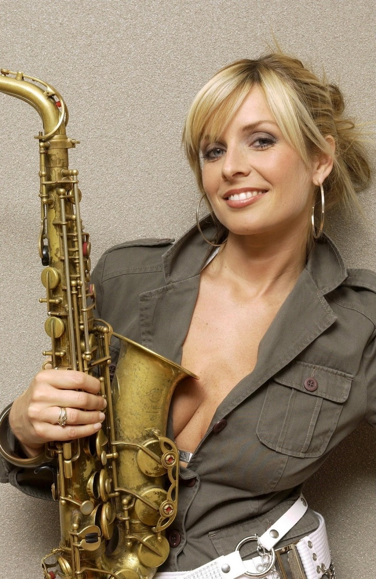 Candy Dulfer is really saxy!