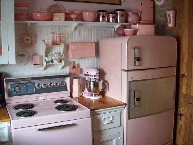 Vintage pink kitchen