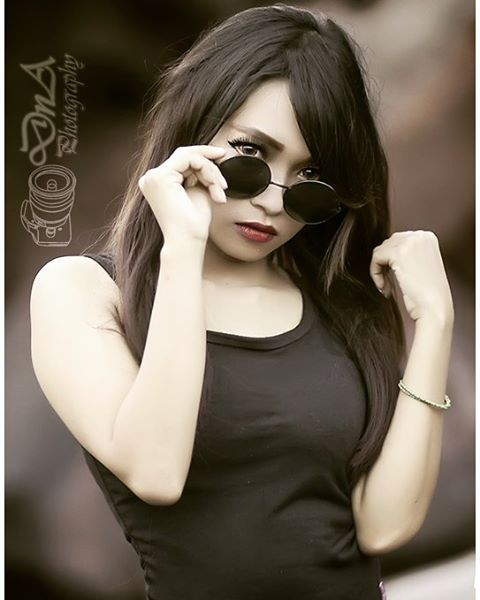 Yuk hunting suka2 bersama kami. Invite 7694691F for order :-) #hunting #photography #model #suka2 #cantik #foto #girl #beauty #cute #seksi #glamour #jember #DnA #dnaphotography #style #hijab #fotografi #like #cute #fun #fotohunting #modelling #jember #photoshoot #prewedding #ootd #swag #jembercantik #jemberhits #jembercetar http://tipsrazzi.com/ipost/1522869310514855505/?code=BUiUZHElP5R