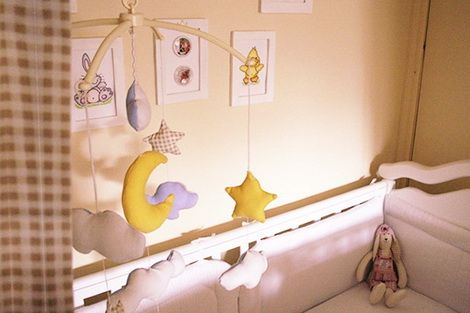 Как сделать детский мобиль на кроватку своими руками для новорожденных | Детское приданое