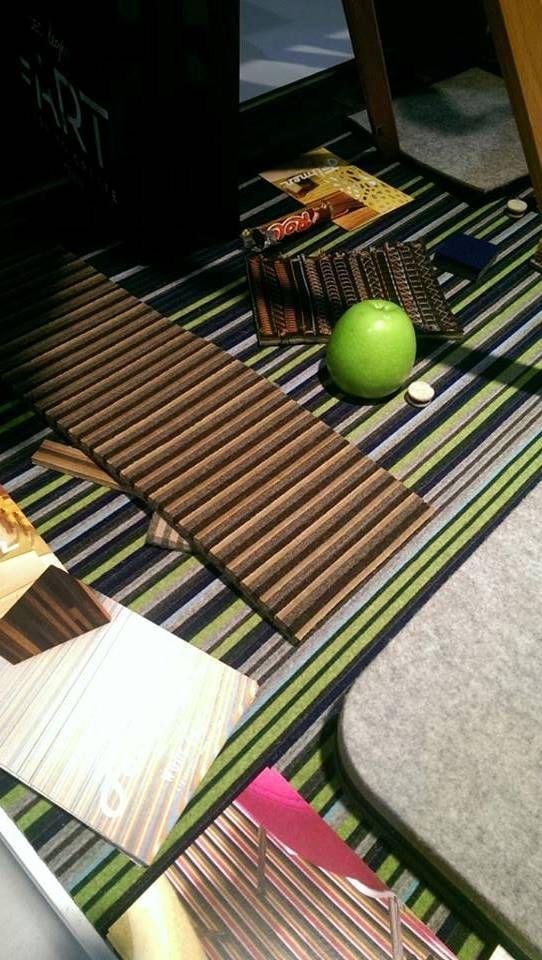 Vloerbedekking van wolvilt. Bijzonder geschikt voor gebruik in appartementen vanwege zijn akoestisch dempende eigenschappen. .