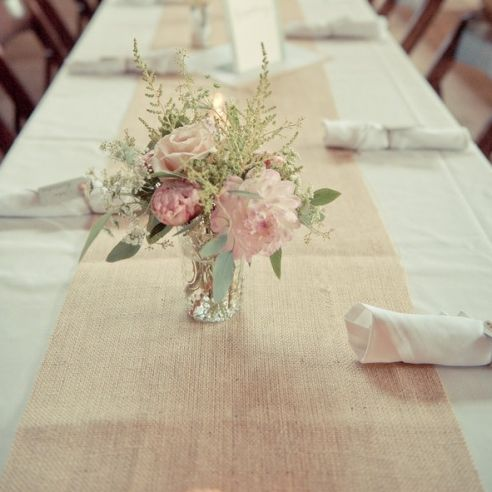Chemin de table jute au m tre mariage pinterest - Chemin de table en toile de jute ...