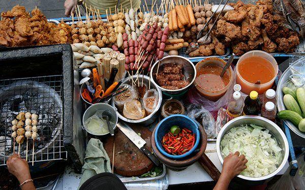 These Are The 7 Best Street Food Haunts On Sukhumvit via @BangkokTravel