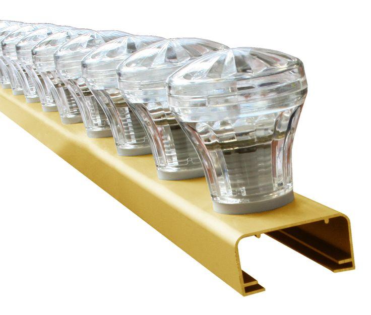 A: Lichtlijst 220V 1 Rij - Goud geanodiseerd / Single Color E-14 Mareck Kappen met LED -