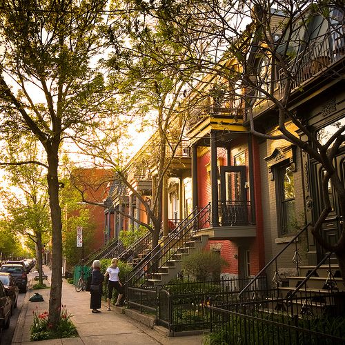 Beautiful buildings in Montreal's Plateau Mont-Royal Neighbourhood (rue de…