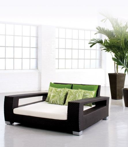 Aria Double Day Bed! Double Bed  162 x 142 x 76 15 cm Seats to prevent cushions from sinking  15 cm Cushions so they will never sag  3 pillows included  16 Gauge Aluminum Framing
