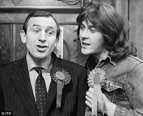 "Leonard Rossiter (1926–1984) and Richard Beckinsale (1947–1979) in ""Rising Damp"""