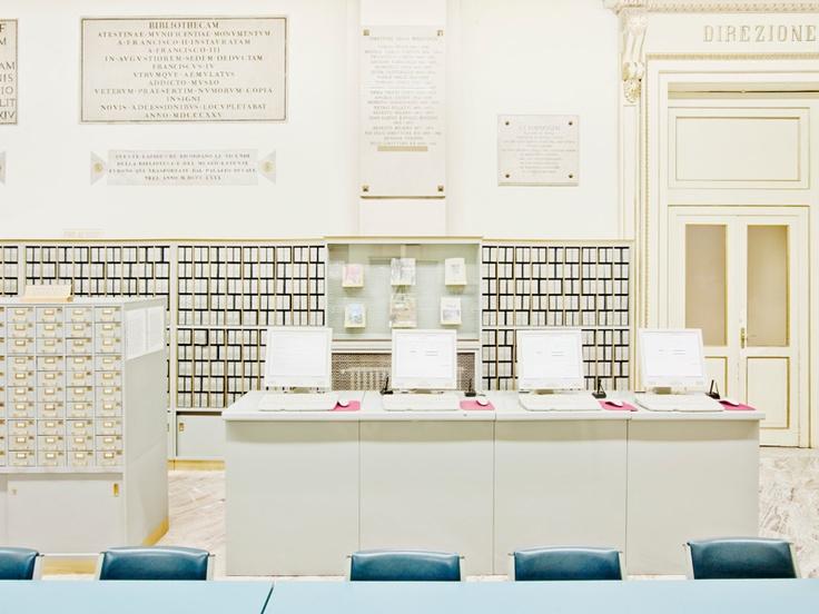 The secret papers, Massimo Siragusa - Modena, dicembre 2010 - Biblioteca Estense Universitaria, Sala Cataloghi - i computer hanno sostituito i cataloghi a scheda nel 2004