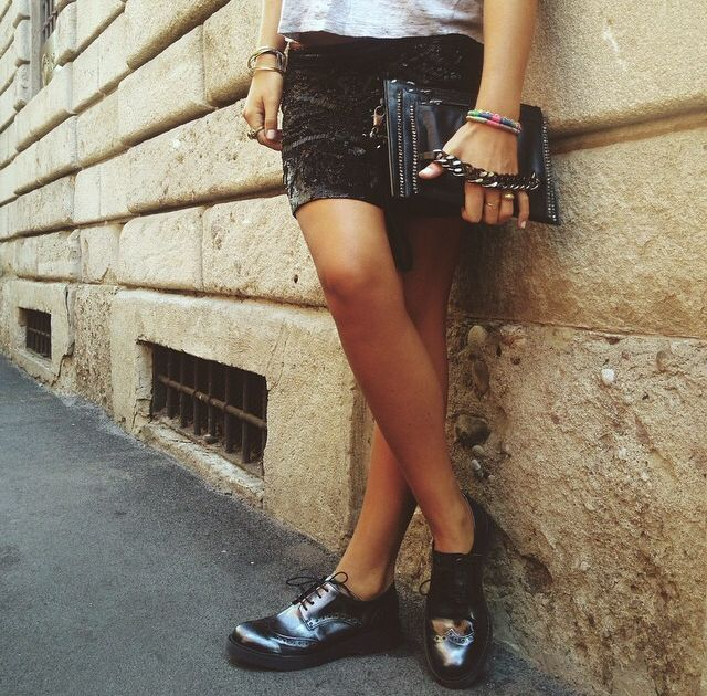 ELISABETH pochette and BRUSSELS laced shoes