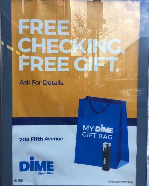 Dime Bags. (at South Slope, Brooklyn) http://ift.tt/2p6UigJ... #Elbow_Toe #Street_Fodder #Arts