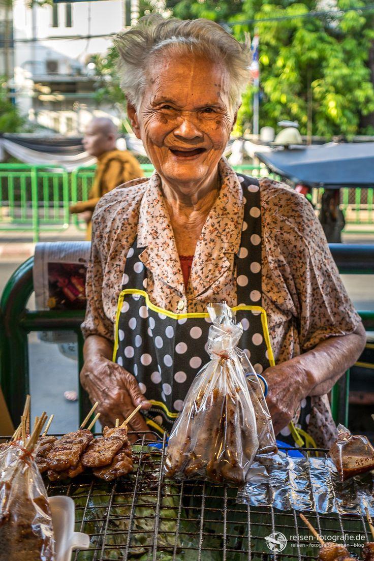 Marktfrau in Bangkok - Thailand - ein wunderbar liebenswertes Gesicht aus Asien.