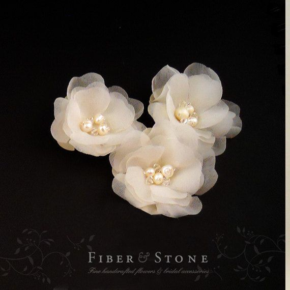 Freshwater Pearl Wedding Hair Flower Ivory Bridal por FiberStone