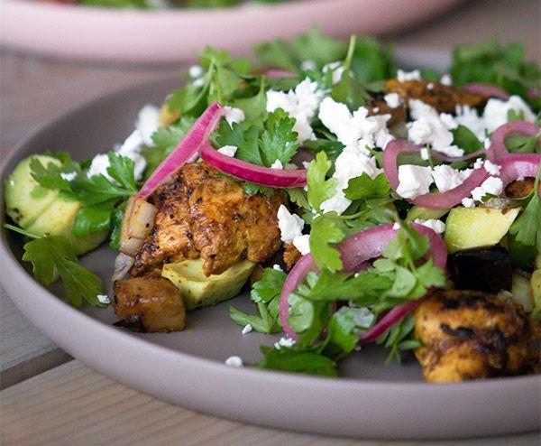 Kyllingesalat med aubergine croutoner - opskrift
