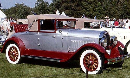 Locomobile model 48 Sportif Roadster ou Gunboat Speedster, routière de 1917  La Locomobile model 48 - Sportif Roadster ou Gunboat Speedster, cet ancien véhicule fut fabriqué en 1917 en 627 unités vendu $4600, cette Locomobile Sportif a une carrosserie roadster 2 portes 2 places et un moteur 6 cylindres - 48,6cv.