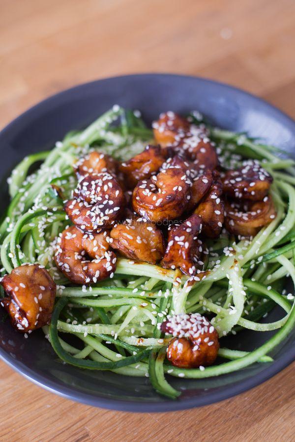 Komkommernoedels met Sesamgarnalen - OhMyFoodness
